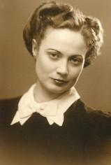Black and White Vintage Photos of 1940's Fashion (2)